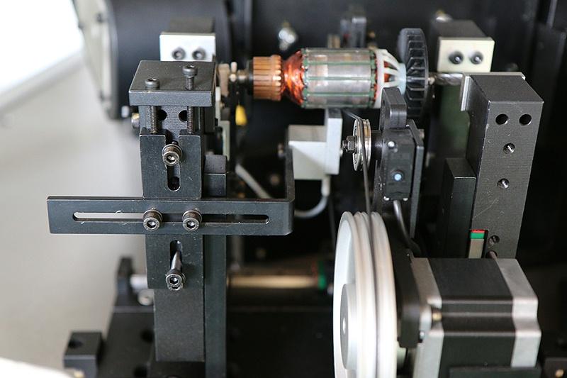 转子平衡机